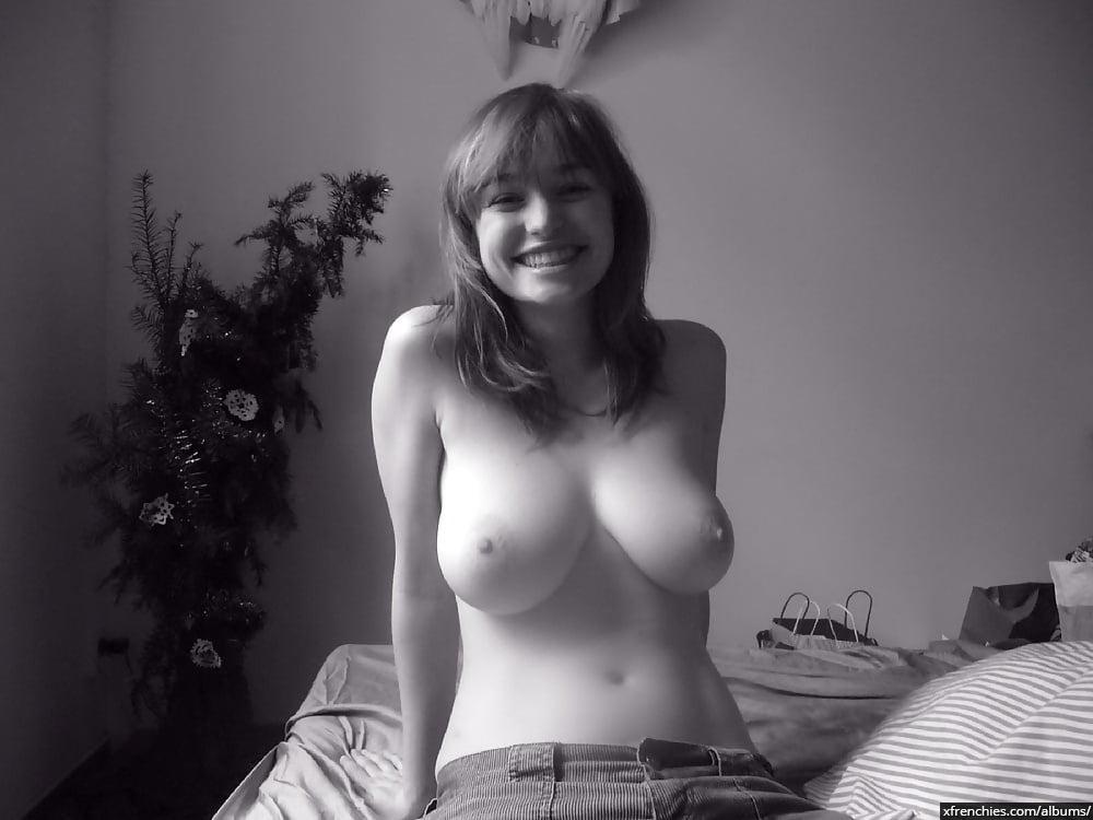 Ma copine nue et moi avant le sexe n°4