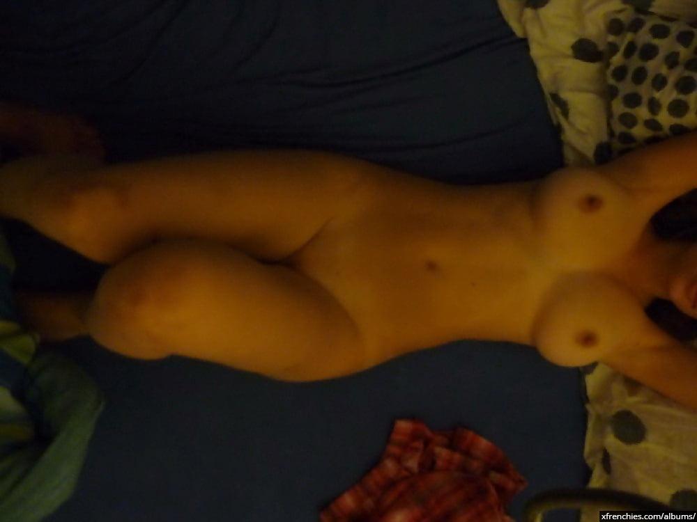 Ma copine nue et moi avant le sexe n°19