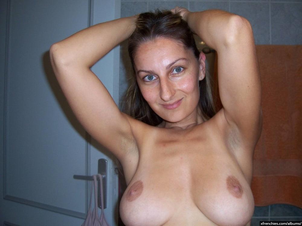 Photos nues amateur de ma jolie jeune femme n°26